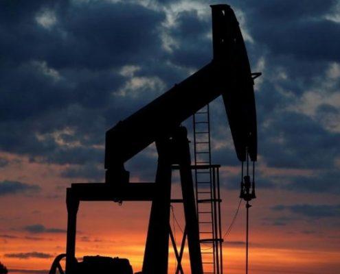 نفت سال آینده پایین ۷۰ دلار خواهد ماند